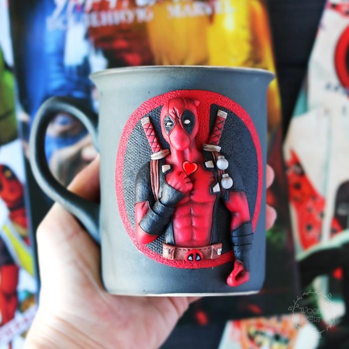 Дедпул на кружке Полимерная глина, Крафт, Deadpool, Marvel, Длиннопост