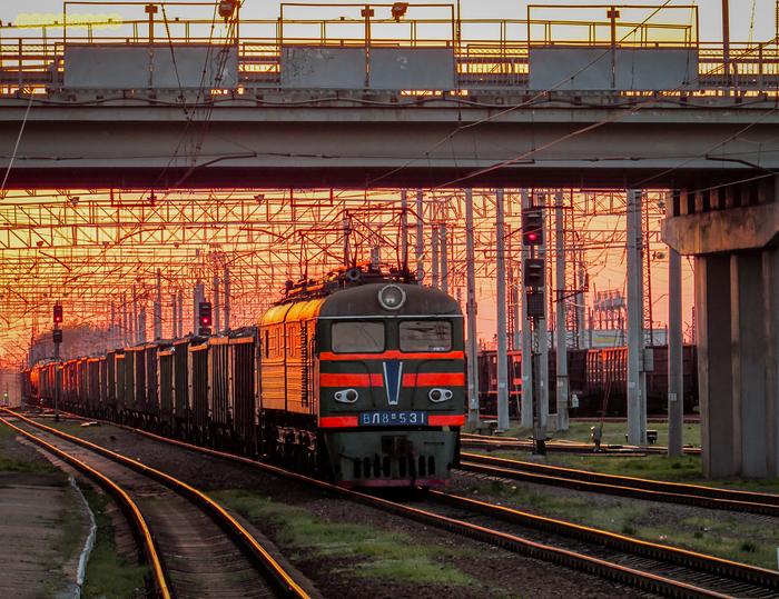 Вечерний грузовой Электровоз, Поезд, Вечер, Закат, Станция, Железная дорога