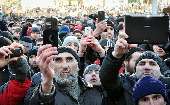 Сенаторы предложили ввести в России платную регистрацию всех мобильников. Законопроект, Мобильные телефоны, Регистрация, РБК