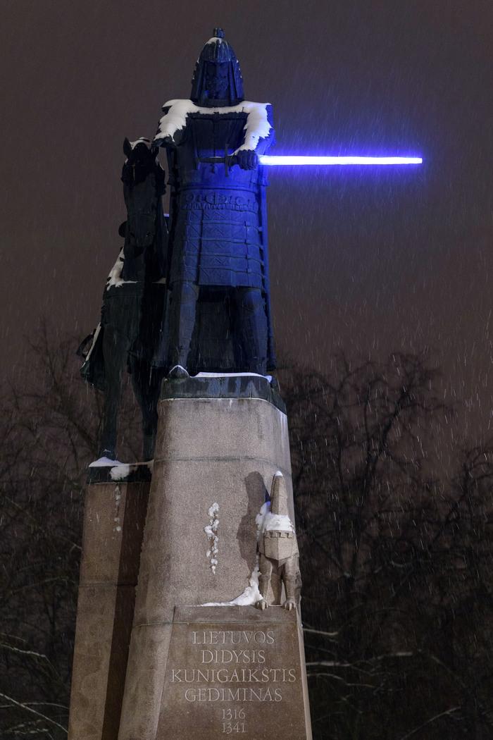 Великий князь Гедиминас со световым мечем в Вильнюсе