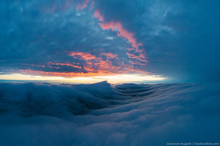 Закат над облаками Закат, Небо, Крым, Аэросъемка, Облака