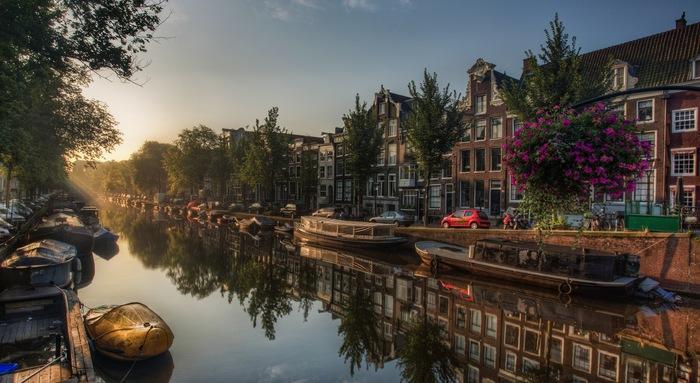 Спокойствие Амстердама Амстердам, Спокойствие