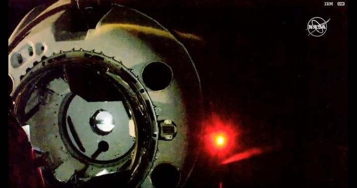 Успешное касание и захват пилотируемого корабля Crew Dragon с МКС Spacex, Crew Dragon, МКС, Стыковка, Космос, Техника, Технологии, Длиннопост