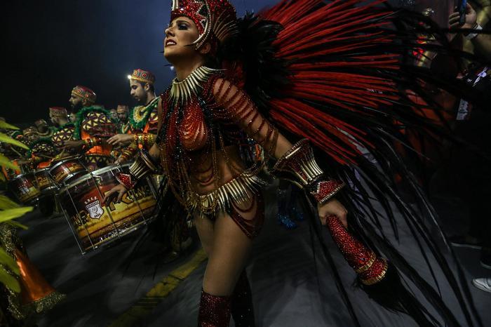 Как проходит бразильский карнавал Карнавал, Рио-Де-Жанейро, Бразилия, Фотография, Костюм, Танцы, Длиннопост