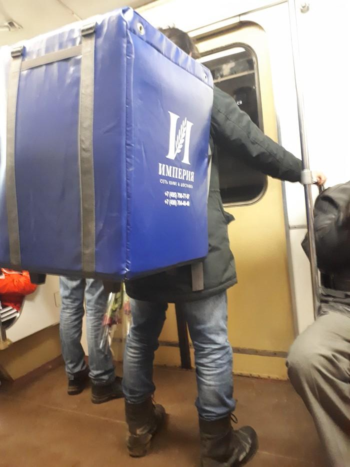 Фура в метро Еда, Метро, Доставка, Доставка еды