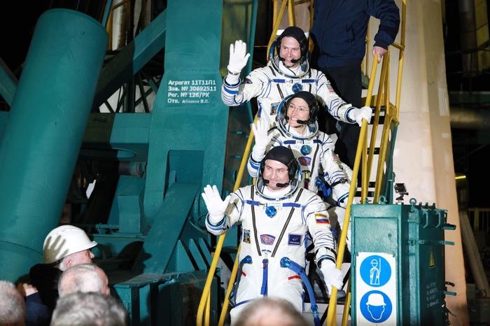 Пуск РН Союз-ФГ с новой миссией к МКС Ракета, Космос, Роскосмос, Пуск, Байконур, Союз, NASA, Космонавт, Видео, Длиннопост