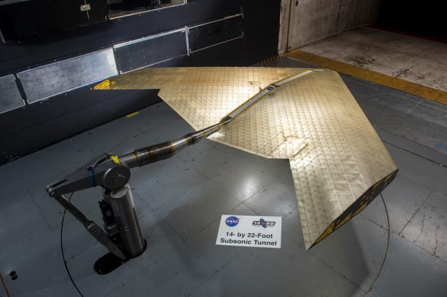 В NASA создали крыло самолета, способное изменяться в полете NASA, Mit, Крылья, Разработка, Авиация, Техника, Технологии, Длиннопост