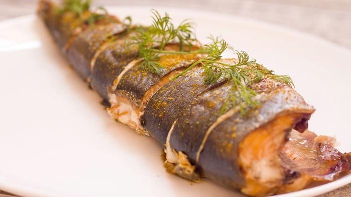 Чукотский голец с брусникой и луком на решётке. Походная кулинария Кулинария, Голец, Рецепт, Рыба, Блюдо, Длиннопост