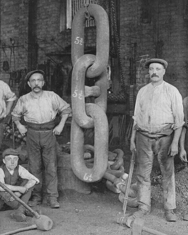 1910 г. Изготовление цепи от якоря «Титаника»