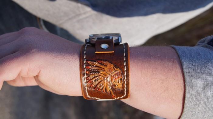 Браслет для часов из натуральной кожи с тисниением. Браслет, Рукоделие без процесса, Перья, Браслет для часов, Кожа натуральная, Длиннопост