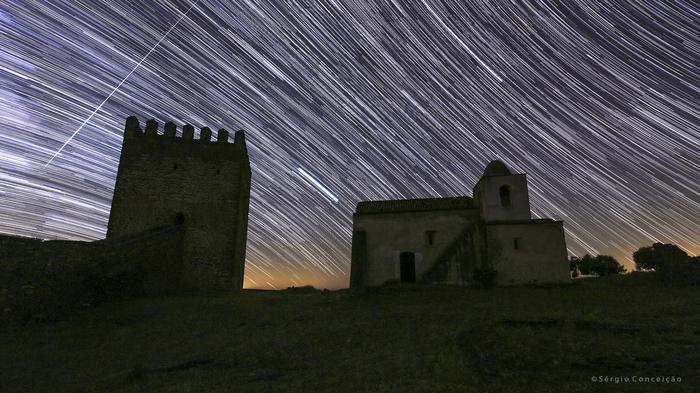 Метеор над португальским замком Космос, Фотография, Метеор, Португалия, Замок, Юпитер, Арктур