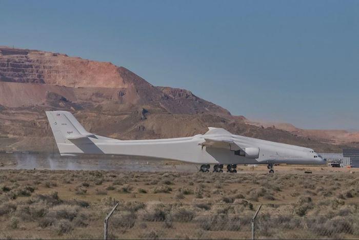 Stratolaunch: самый большой самолёт в мире совершил первый полёт Авиация, Новое, Техника, Космос, Запуск ракеты, Длиннопост, Самолет