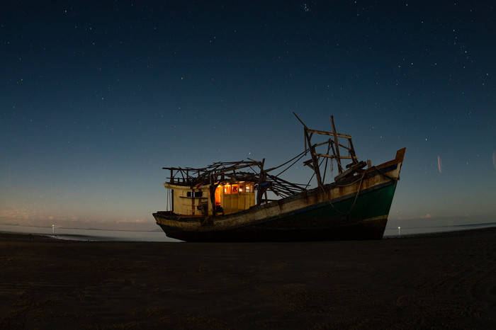 Заброшенный корабль Заброшенное, Корабль, Мель, Ночь, Звёзды, Небо