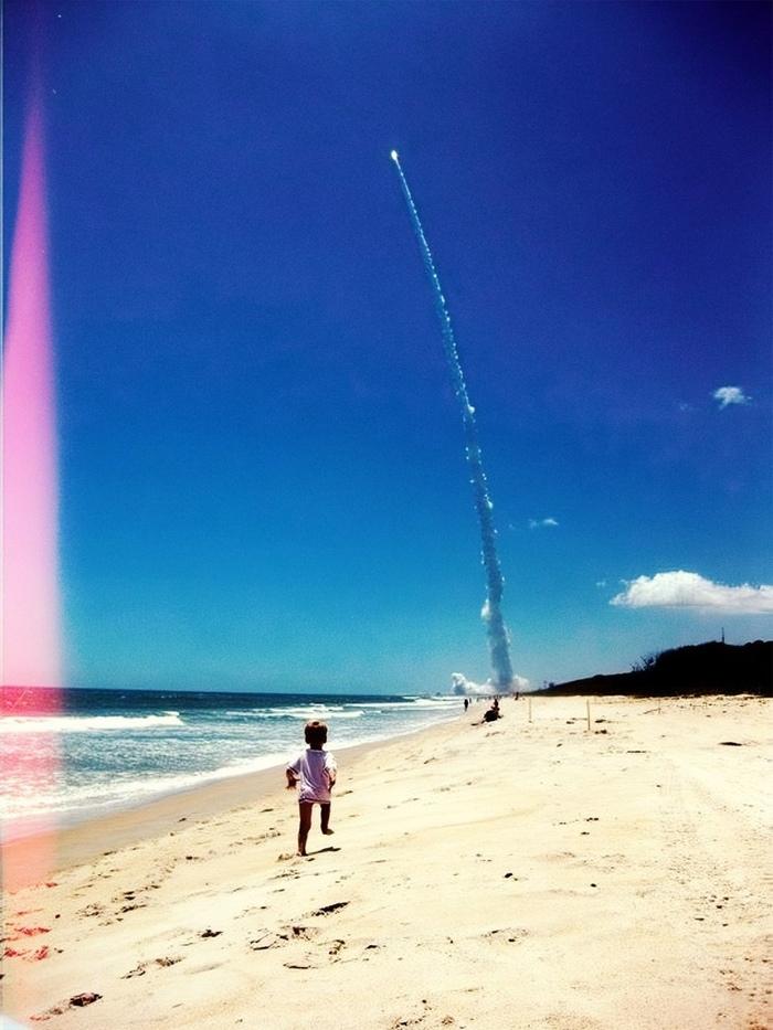 """Автоматическая межпланетная станция """"Юнона"""" начинает свое 5-летнее путешествие к Юпитеру Космос, Юнона, Юпитер, Ракета, Мыс Канаверал, Фотография"""