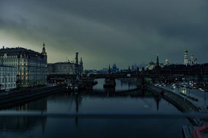 Пасмурная, но невероятно красивая Москва Москва, Архитектура, Дождь, Весна, Март