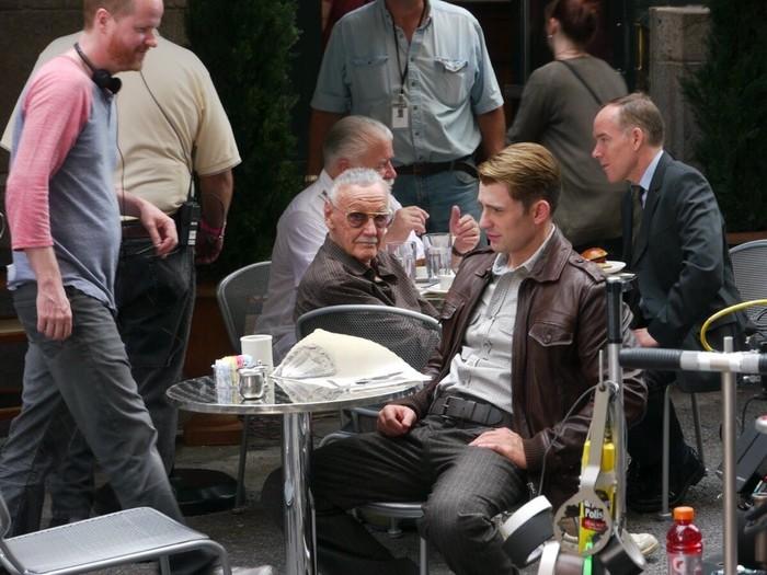 Непубликовавшиеся ранее фото со съёмок первых «Мстителей». Мстители, Капитан Америка, Черная вдова, Marvel, Стэн Ли, Длиннопост