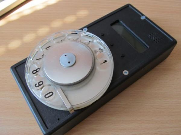 Мобильник с дисковым номеронабирателем Ретрофутуризм, Ретро, Телефон, Сотовая связь, Интересное