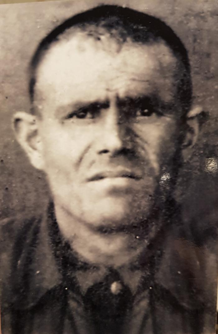 Мой дед. Он всегда молча плакал долго стоя у монумента павшим на ВОВ. Великая Отечественная война, Вечная память, Спасибо деду за победу, 9 мая, Длиннопост
