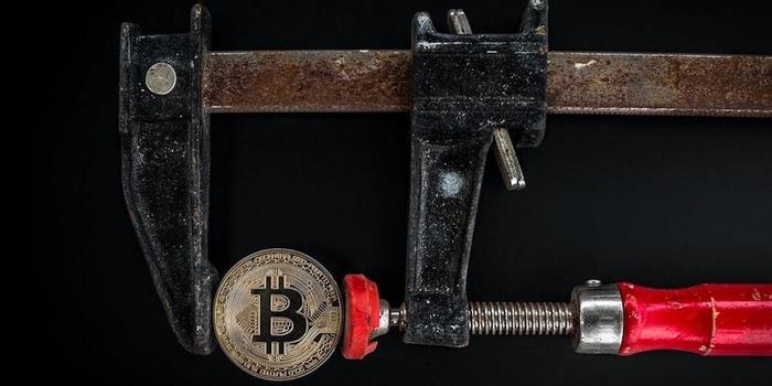 Bitcoin снова растет в цене $7000 Криптовалюта, Биткоины