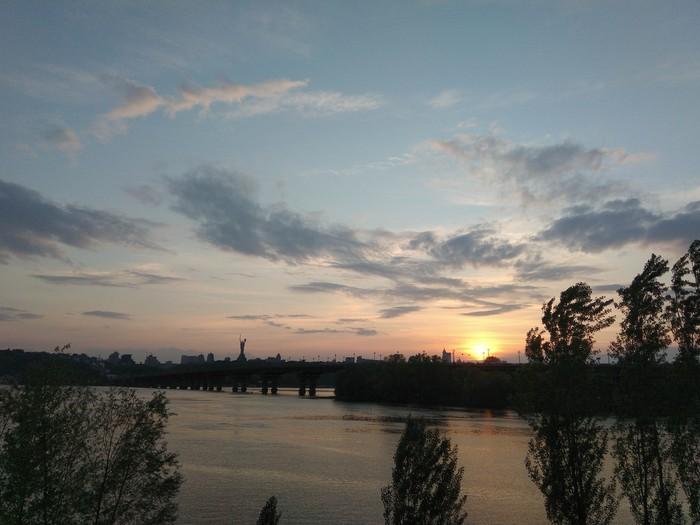 Вечерний Киев Киев, Вечер