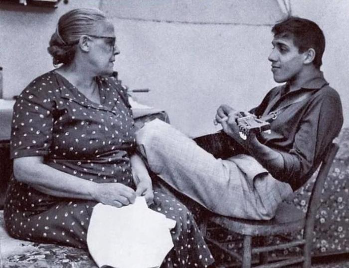 Джудитта Челентано - мама того самого оболтуса.
