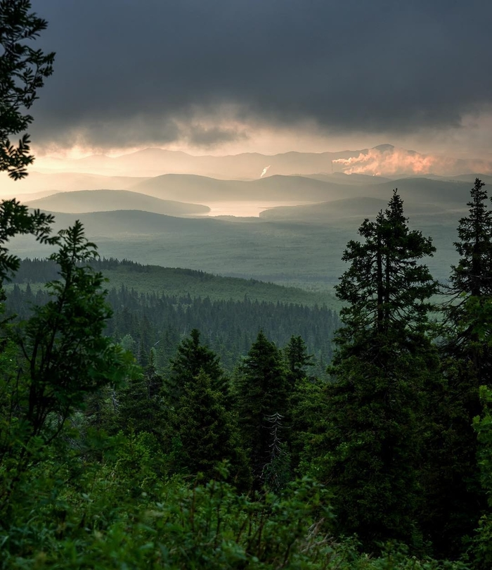 Рассвет с горы Юрма в сторону Карабаша Южный Урал, Горы, Юрма, Карабаш, Туризм, Природа, Рассвет, Фотография