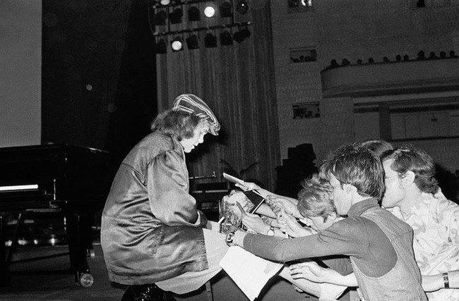 1979 год: Элтон Джон в Москве Элтон Джон, Москва, Концерт, СССР, Музыка, Хорошая музыка, Длиннопост