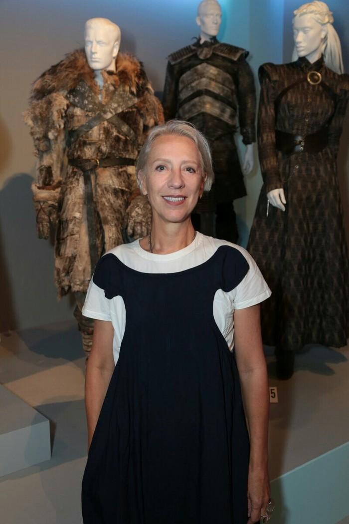 Это Мишель Клэптон, художник по костюмам для всех удивительных нарядов которые мы видели в сериале Игра престолов