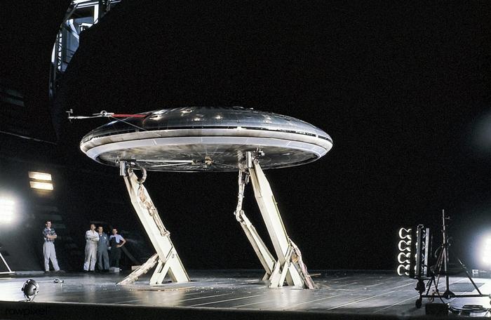 Рассекреченные материалы: история о том, как американские военные пытались создать летающие тарелки Америка, Военные, Летающая тарелка, История изобретений, США, Технологии, Факты, Гифка, Видео, Длиннопост