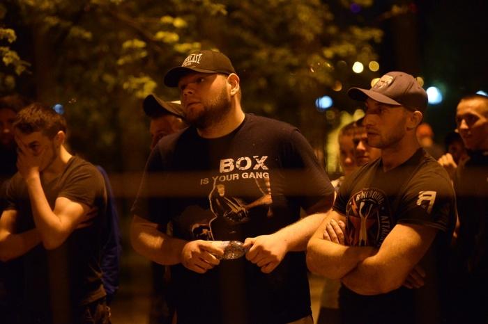 Следователи выяснят, почему Росгвардия молча наблюдала за бесчинствами охранников в сквере у Драмы Сквер, Противостояние, Екатеринбург, Длиннопост, Негатив