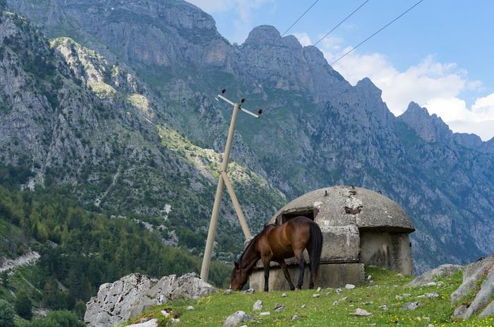 Албания как великий памятник паранойе. Албания, Энвер ходжа, Бункер, Длиннопост