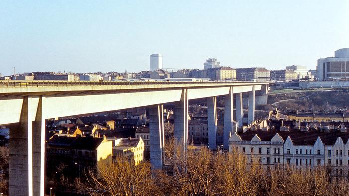 По мотивам о мосте самоубийц Прага, Чехия, Суицид, Мост, Черный юмор, Длиннопост