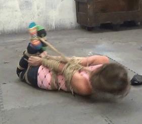 Nichole got tag teamed Бондаж, Связывание, Фетишизм, Длиннопост, Гифка, Девушки