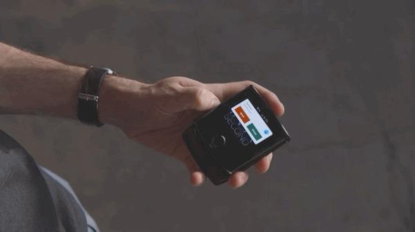 Хьюстон, у нас проблемы Смартфон, Мобильные телефоны, Юмор, Моторола, Раскладушка, Гифка