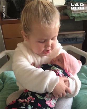 Первая встреча с сестрёнкой