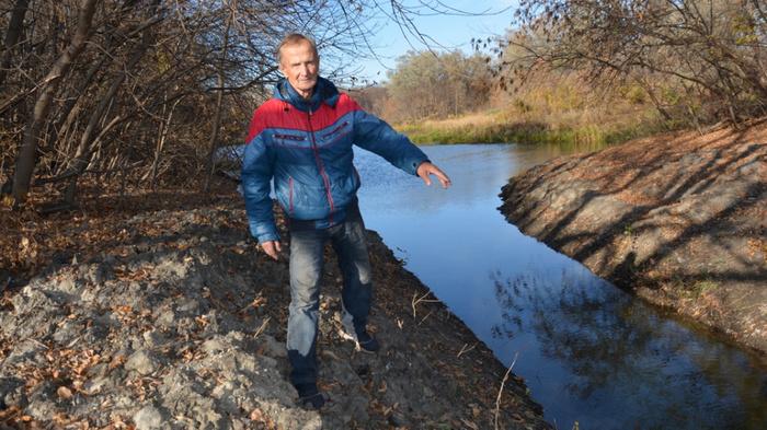 Житель Поворино очистил 30-метровую протоку на реке Хопер
