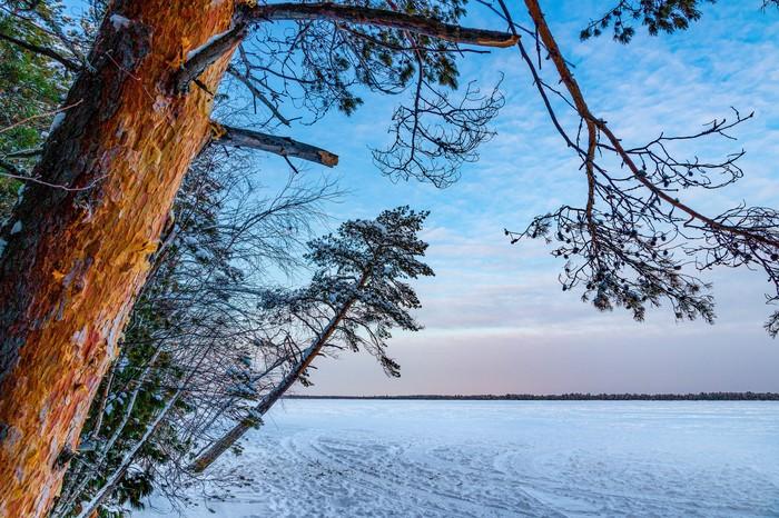Под небом голубым на озере Кривом