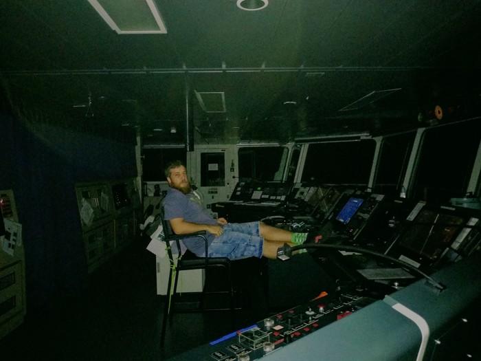 Я тоже с вами! Ночная навигационная вахта в Атлантике в Новогоднюю ночь)))