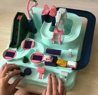 И плевать, что мне 30 лет, я бы мог часами залипать в эту игрушку дома