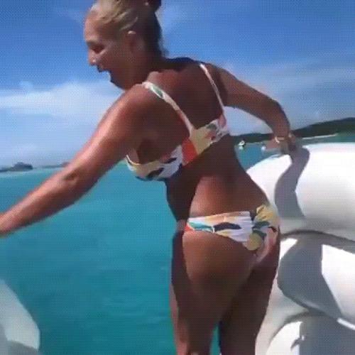 Встреча с усатой акулой-нянькой на Багамах Акула, Море, Багамы, Девушки, Горка, Океан, Гифка
