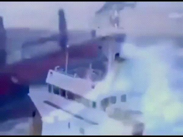 Доставка на борт в мощнейший шторм