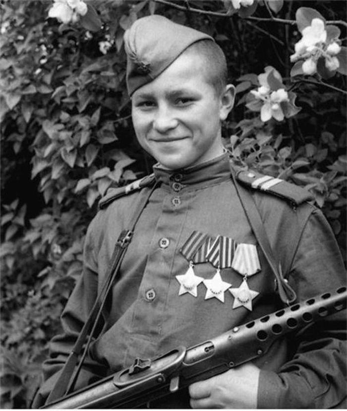 История одной фотографии... Полный кавалер ордена Славы в 17 юных лет