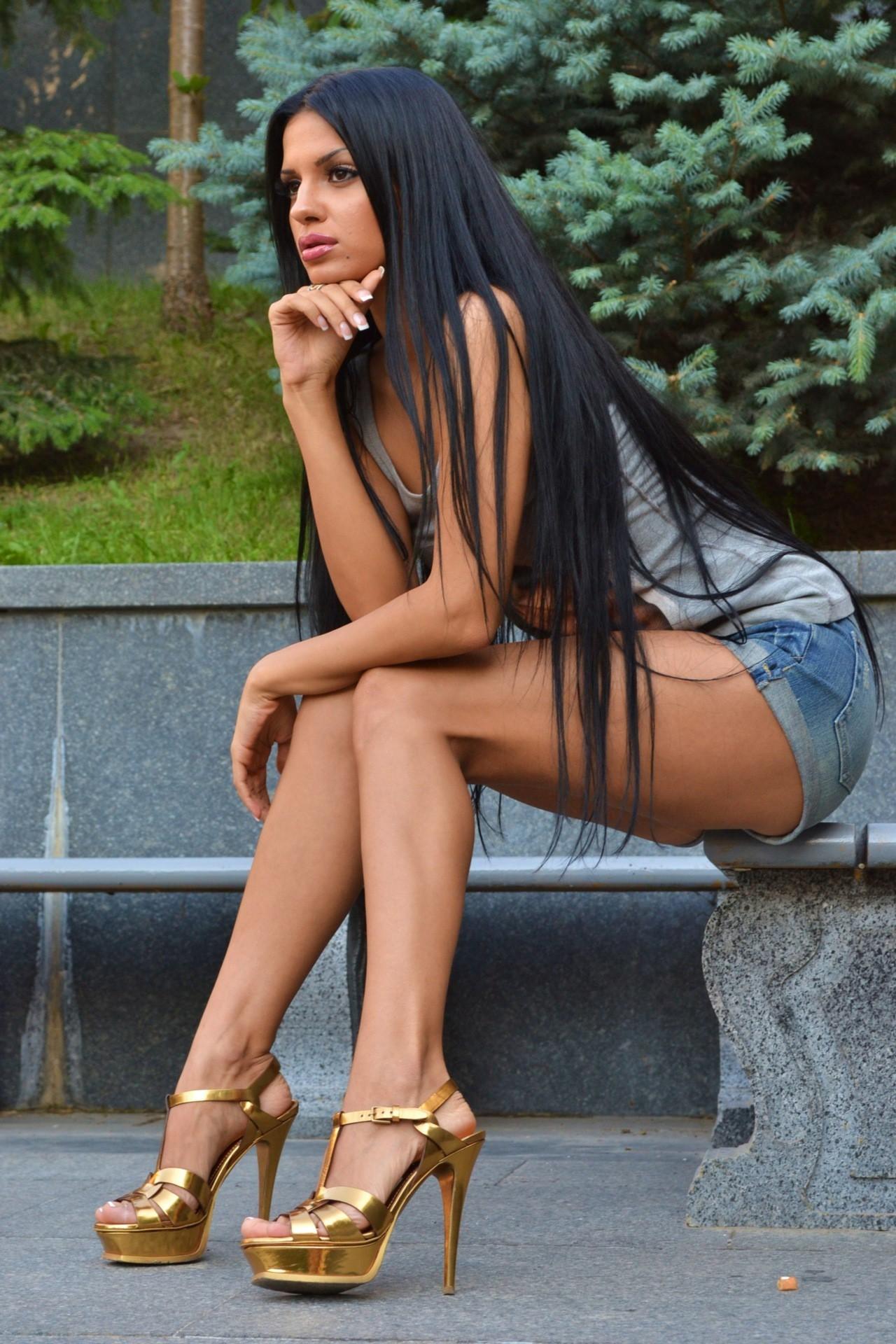 девушки с красивыми ножками фото