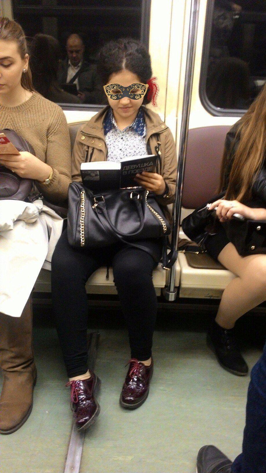 девушки фото в поезде