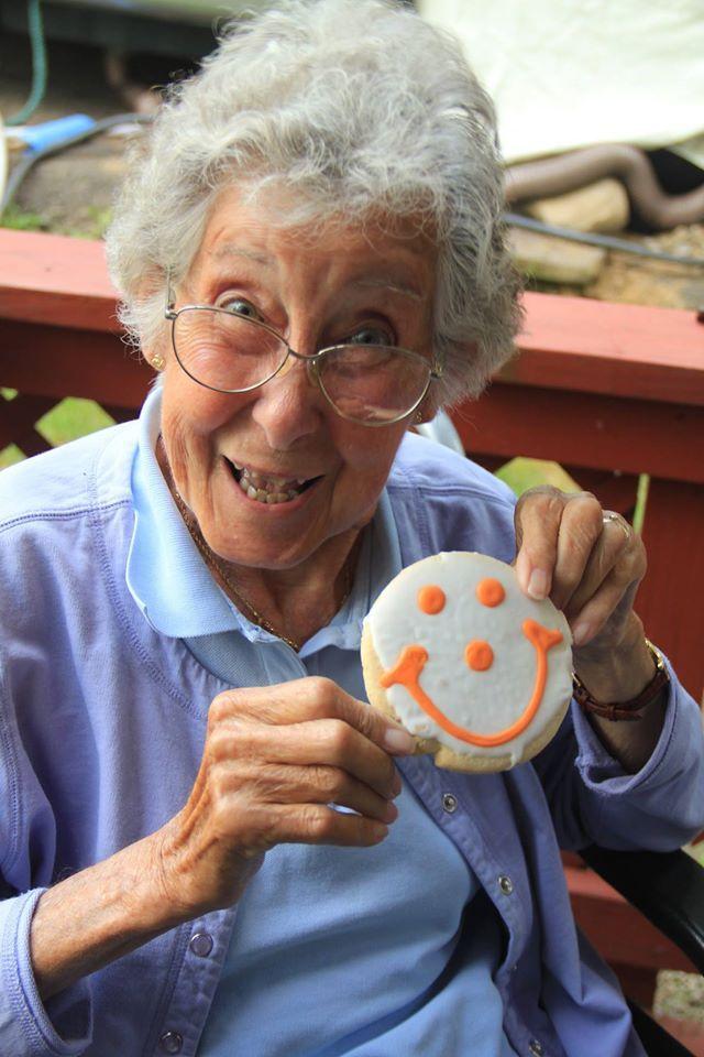 Бабушку загнул раком фото 445-217