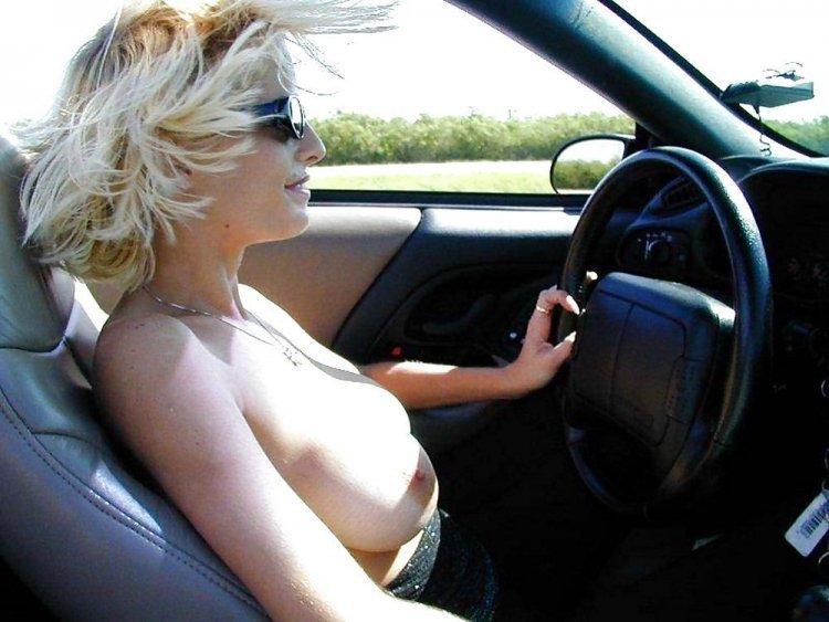 За рулем с голой попой — photo 6