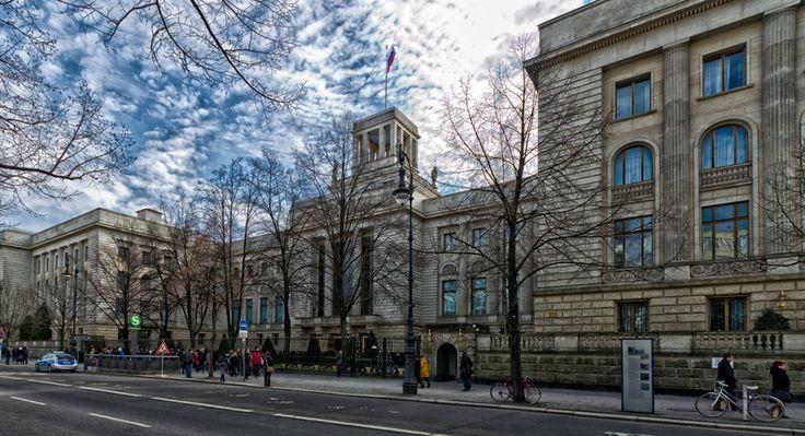 Огромные сиськи немецкое посольство