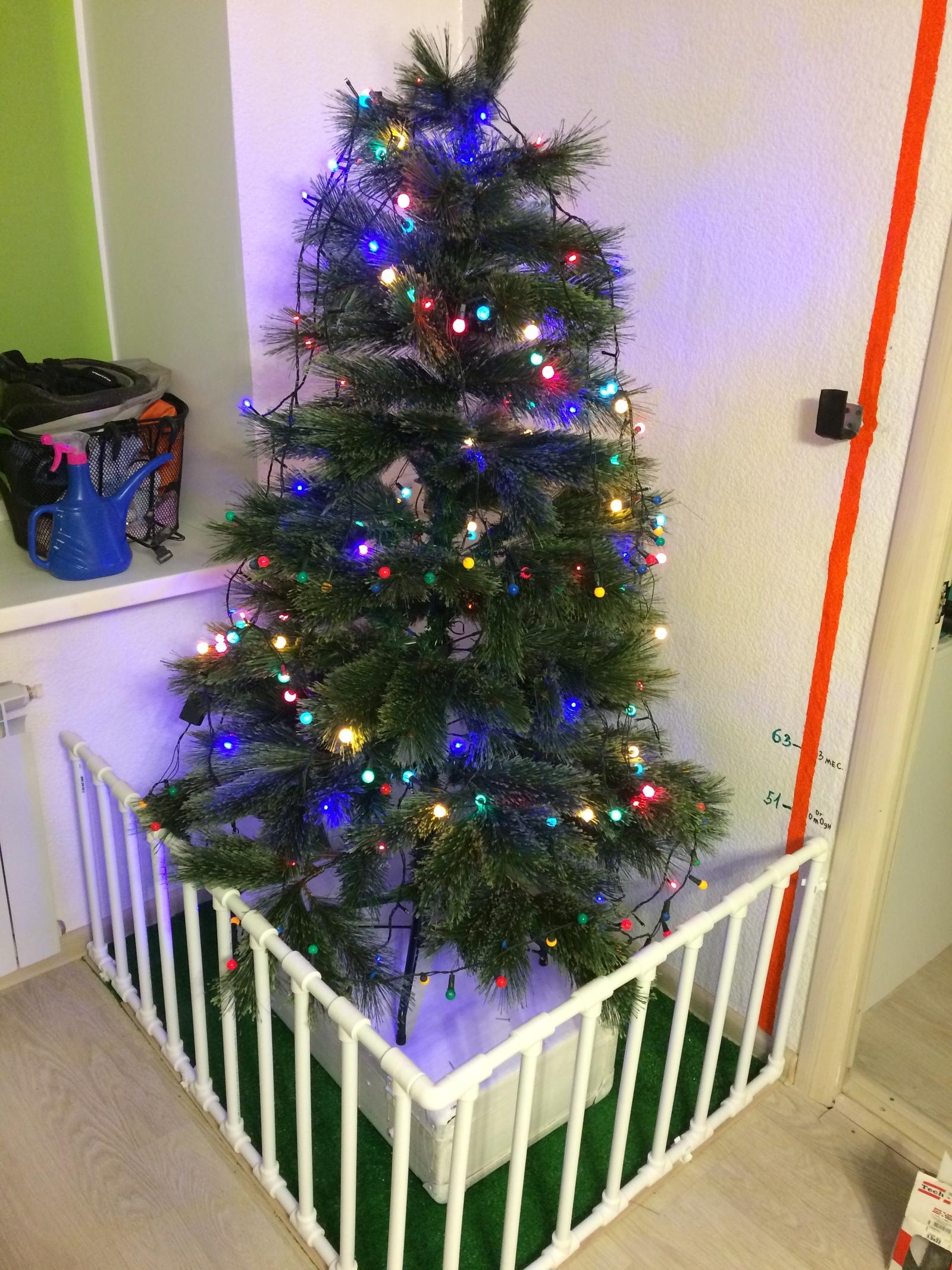 Ограждение елки от детей 34