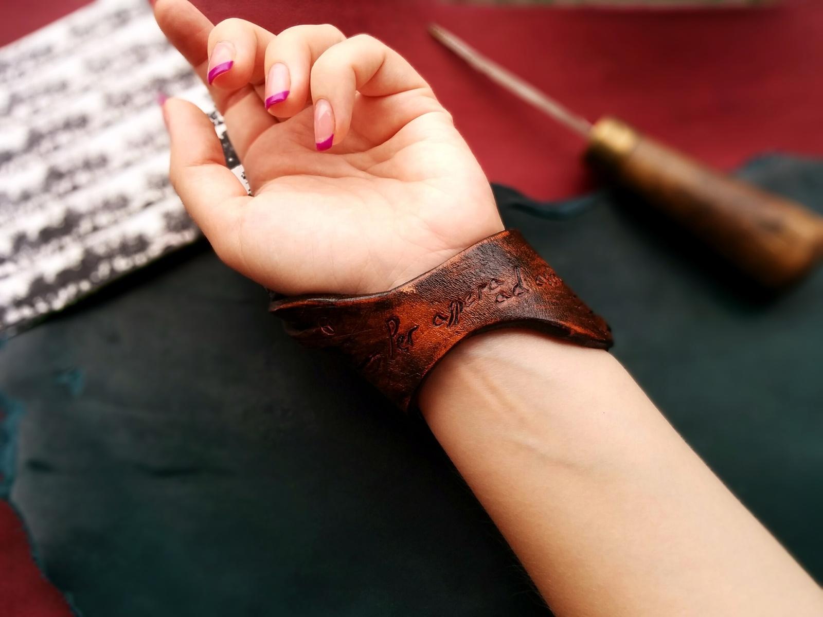 Браслеты на руку своими руками из кожи
