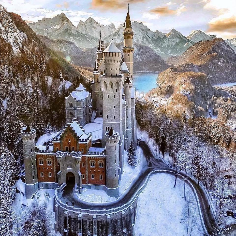Картинки по запросу замки европы зимой